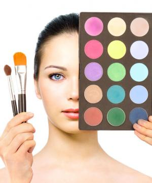 10 Secrets I Learned At Makeup Artist School 00 1